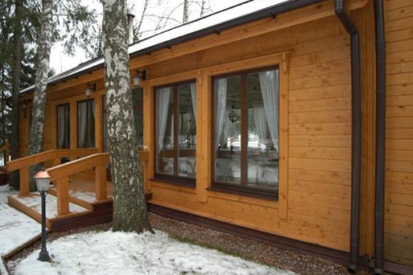 металлические двери двойные для дома из клееного бруса